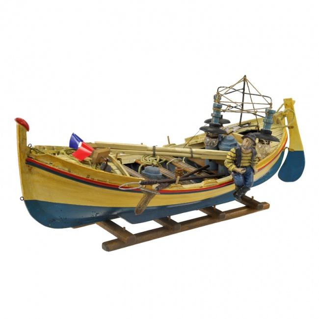 Модель лодки из дерева